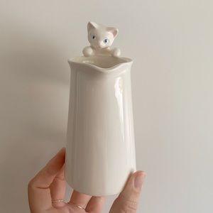 Vintage Kitchen - VINTAGE CAT CREAMER